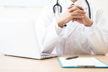 【新型コロナウィルス】アイルランドの首相が医者になって医療現場をサポート!安倍総理には批判の嵐・・・